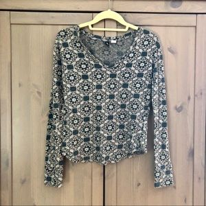 Long Sleeve Thermal Medallion Patterned Top